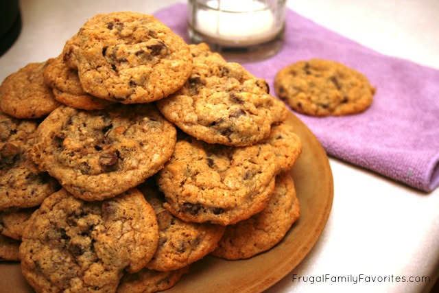 varwwwclientsclient2web4webwp-contentuploads201412Sneaky-Fiber-Chocolate-Chip-Cookies.jpg